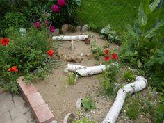 Sandarium – Magerbeet – Kurzdokumentation – Hortus Girasole Stepping Stones, Garden, Outdoor Decor, Plants, Outdoors, Delphinium, Hibiscus, Peonies, Stair Risers