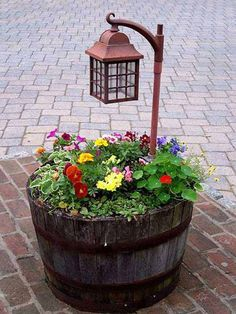30  Easy and inexpensive Do-it-yourself outdoors Pots there is a constant believed Of
