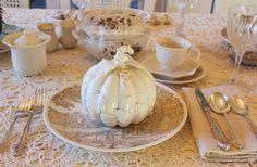 Aiken House & Gardens: Brown & White Transferware Tablescape