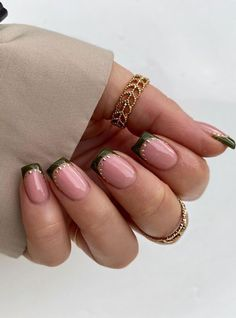 """The most stunning wedding nail art designs for a real """"wow"""" Gold Tip Nails, Cute Acrylic Nails, Blue Nails, Chic Nails, Stylish Nails, French Nail Designs, Nail Art Designs, Nail Tattoo, Manicure E Pedicure"""