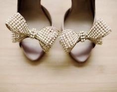 valentino pearl bows-i want!