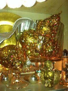 Gold glitter pears