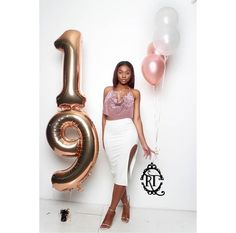 Birthday Photography 33 Best Ideas - - Birthday Photography 33 Best Ideas let's celebrate Geburtstagsfotografie 33 Beste Ideen Birthday Goals, 23rd Birthday, 19th Birthday Outfit, Birthday Ideas, Cake Birthday, Birthday Quotes, Birthday Photography, Party Photography, Birthday Pictures