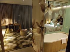 Crowne Plaza Changi Airport Hotel