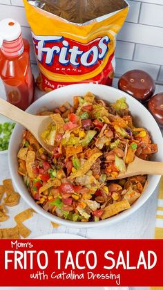 This amazing Frito Taco Salad with Catalina Dressing is perfect for potlucks!The taco seasonedbeef combines with zesty Catalina Dressing for an amazing Frito Salad. Frito Taco Salad, Taco Salad Recipes, Taco Salads, Taco Salad With Fritos, Fruit Salads, Taco Taco, Savory Salads, Mexican Salads, Mexican Food Recipes