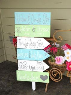 Destination Wedding Signs.  Six Customized Wedding Directional Signs with Arrows, handmade, unique signs for your Beach Wedding. von OurHobbyToYourHome auf Etsy https://www.etsy.com/de/listing/72775906/destination-wedding-signs-six-customized