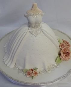Bridal Shower - Bridal Gown - Cake by Tascha's Cakes - CakesDecor Pretty Cakes, Cute Cakes, Beautiful Cakes, Baby Motiv, Wedding Shower Cakes, Brides Cake, Fantasy Cake, Wedding Dress Cake, Barbie Wedding