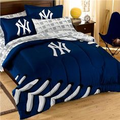 Broadcast your Toronto Blue Jays spirit with this 7 piece Toronto Blue Jays Contrast Full Sized Bed in a Bag. This is the perfect bedding to support not only your slumber but your Toronto Blue Jays. Full Size Comforter, Twin Comforter Sets, Bedding Sets, Baby Bedding, Toronto Blue Jays, Full Size Bed Sets, Baseball Bed, Clemson Baseball, Softball