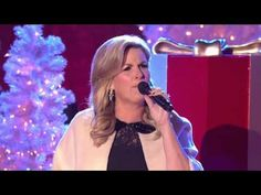 Trisha yearwood.  Santa clause is back in town
