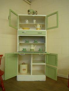 uooooo!!! me chiflan los muebles de cocina retro de los  años 50!!!