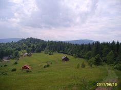Jałowiec - najwyższy szczyt Gminy Stryszawa (1111 m. n.p.m.). wchodzi on w skład Pasma Jałowieckiego (Przedbabiogórskiego), zbudowanego z fliszu karpackiego, o przebiegu równoleżnikowym