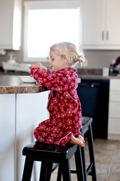tips for photographying everyday life by @Christina & {simple as that} eating breakfast