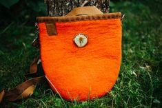 Natural wool side bag, shoulder bag, perfect gift idea for her. Side Bags, Coin Purse, Artisan, Felt, Women's Fashion, Shoulder Bag, Wool, Wallet, Orange