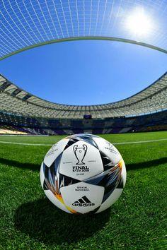 Soccer Fans, Play Soccer, Football Soccer, Cute Soccer Pictures, Football Pictures, Vasco Wallpaper, Soccer Ball Cake, Soccer Backgrounds, Argentina Football