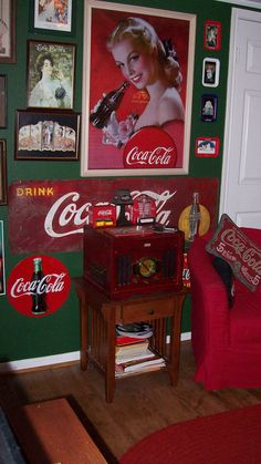 One of my most treasure adds i think in the and the metal sign is made in… Coca Cola History, World Of Coca Cola, Coca Cola Vintage, Vintage Ads, Vintage Items, Coke Ad, Pepsi Cola, Coca Cola Kitchen, Coca Cola Decor