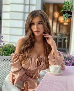Beautiful Models, Beautiful Women, Coffee Girl, Cute Girl Photo, Girl Photos, Amazing Women, Cute Girls, Sexy Women, Hair Beauty