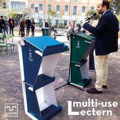 This multi use lectern is all you need for your events! Foldable, lightweight, customizable and sustainable (it's made with cardboard!). Designed by Cartonlab to make your events easier. #lectern #events