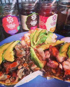 Unas ricas y deliciosas #Tostadas de #LaGuerrerense con mucho #aguacate y #mariscos. Déjate venir a #Ensenada #BC #MX y no te quedes con el antojo de probar unas  Aventura por eltobymtz