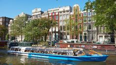 Discover Amsterdam from its famous canals! Check out this overview of all canal cruises.