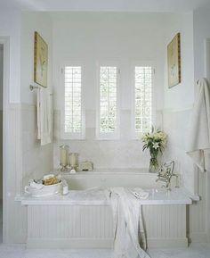 Traditional Built-in Bath Tub