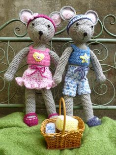 Crocheting: Maurice and Maisie Mouse