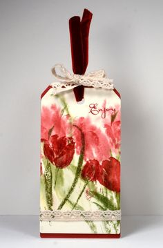 such a pretty tag showcasing Penny Black tulips inked with Memento inks watercolor style