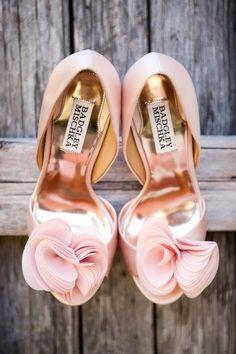 @Lupita Fuentes (Gfuece) (Lupita Fuentes) (Lupita Fuentes) zapatos rosa by Mischka