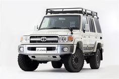 Impressive Off-Road Vehicle Designs Toyota Land Cruiser 100, Land Cruiser 70 Series, Toyota Lc, Mercedes Benz Unimog, Car Gadgets, Jeep 4x4, Go Kart, Offroad, Cool Cars