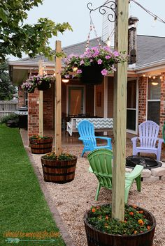 Backyard Landscaping Ideas - Finding Room for Color - harpmagazine.com