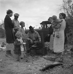 Along the highway near Bakersfield, California. Dust bowl refugees. 1935 November. Library of Congress.