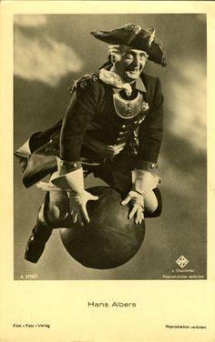 """Hans Albers in """"Münchhausen"""",Münchhausen ist ein deutscher Film des Regisseurs Josef von Báky aus dem Jahre 1943, der dem Genre des phantastischen Films zugerechnet werden kann. Er ist der dritte abendfüllende deutsche Farbfilm."""