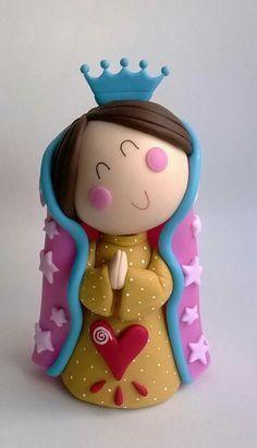 decoración para comunión Polymer Clay Projects, Diy Clay, Cake Templates, Clay Figurine, Clay Ornaments, Sugar Craft, Fondant Figures, Pasta Flexible, Clay Dolls