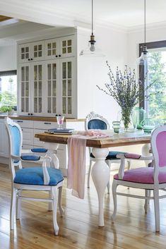 Rustic în culorile primăverii | Jurnal de Design Interior Dining Rooms, Dining Table, Design Interior, Rustic, Inspiration, Furniture, Home Decor, Interiors, Country Primitive