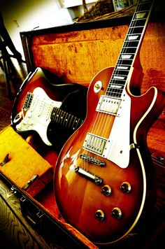 Two all time classics and my favs. The Les Paul and the stratocaster! Lovely.