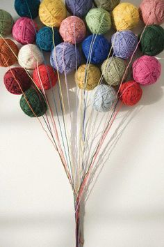 Yarn Balloons...would be really cute for a crochet party!