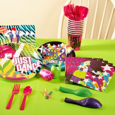 Just Dance Party Packs @ Birthday Party Express - Party Ideas - Party Backyard Birthday Parties, Dance Party Birthday, 9th Birthday Parties, Birthday Ideas, 7th Birthday, Just Dance, Wii Party, Karaoke Party, Glow Party