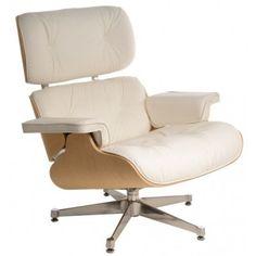 Fotel składa się z trzech sklejkowych muszelek połączonych ze sobą metalowymi elementami. Siedzisko i oparcie tapicerowane są miękką, włoską skórą. Obrotowa baza wykonana z aluminium występuje w dwóch wersjach. Pierwsza ma boki i spód nóg lakierowane na czarno a wierzch polerowany (ta wersja najczęściej jest spotykana z ciemną skórą) . Druga wersja bazy jest w całości polerowana i występuje najczęściej z białą skórą. Uzupełnieniem fotela jest podnóżek mogący również pełnić funkcję pufy…