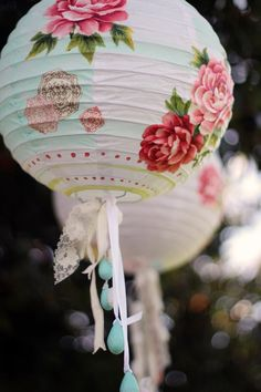 Romantic white / rose decorated paper lanterns - perfect decoration and mood lighting for a wedding, hens' nights or engagement party! Rose Cottage, Paper Lanterns, Garden Lanterns, Summer Garden, Kintsugi, Rose Buds, Color Splash, Party Planning, Party Time