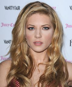 Katheryn Winnick  Hairstyle 2014