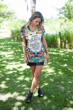 1x1.trans Look do dia: Vestido tropical + Vestido de paetê