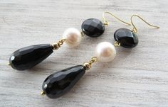 Black onyx earrings, freshwater pearl earrings, dangle earrings, gemstone jewelry, long earrings, black agate jewellery, gift for her by Sofiasbijoux on Etsy