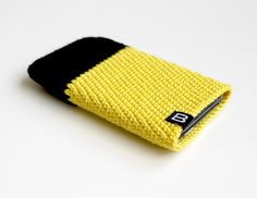 crocheted iPhone 5, 4, 3GS case for men black, yellow / crochet iphone case, sleeve, cover - cell phone bag - unisex, hipster