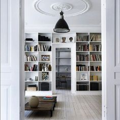 Loving this reading room!!! Awesome white ;) #interiorparisdesign #white #readingroom