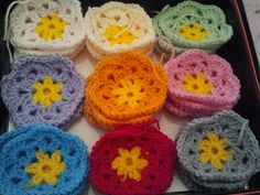Flickr: Crocheting African Flowers