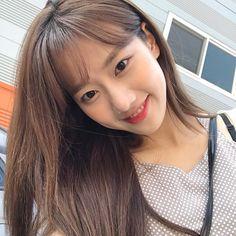 𝚋𝚎𝚏𝚘𝚛𝚎𝚔𝚝𝚑 on pins April Kpop, Uzzlang Girl, Without Makeup, Just Girl Things, Korean Celebrities, Woman Crush, Aesthetic Girl, Girl Crushes, Kpop Girls