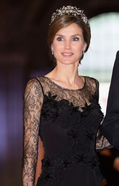 Princess Letizia of Spain attends a dinner hosted by Queen Beatrix of The Netherlands ahead of her abdication in favour of Crown Prince Willem Alexander at Rijksmuseum on April 2013 in Amsterdam, Netherlands. Royal Family Christmas, Floral Print Skirt, Bride Gowns, Queen Letizia, Fashion Line, Women's Fashion, Zara Dresses, Mother Of The Bride, Cool Style