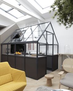 This contemporary loft has a greenhouse kitchen,a maritime pine tree in the living room, and an eccentric design. It is definitely one of our favorites. Deco Design, Küchen Design, House Design, Design Loft, Smart Design, Design Hotel, Glass Design, Paris Home, Home Office Inspiration