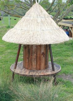 Children's Thatched Cable Reel Seat