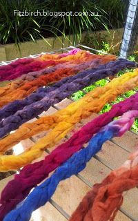 How to dye roving in the microwave - Easy tutorial and beautiful colours! Fitzbirch Crafts