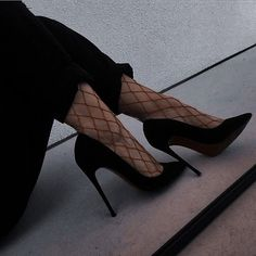 Classy Aesthetic, Aesthetic Shoes, Aesthetic Clothes, Fancy Shoes, Pretty Shoes, Cute Shoes, Dr Shoes, Shoes Heels, Kleidung Design